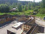 Перемещение дома по участку – Профессиональное перемещение дома по загородному участку на бетонный фундамент и винтовые сваи